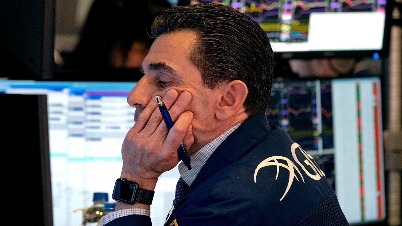 Uncertainty over coronavirus timeline rattles Wall Street