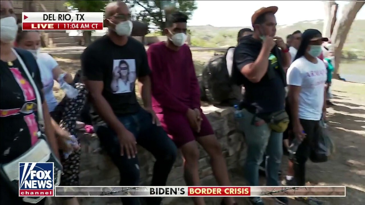 Biden slammed as migrants crowd border facilities