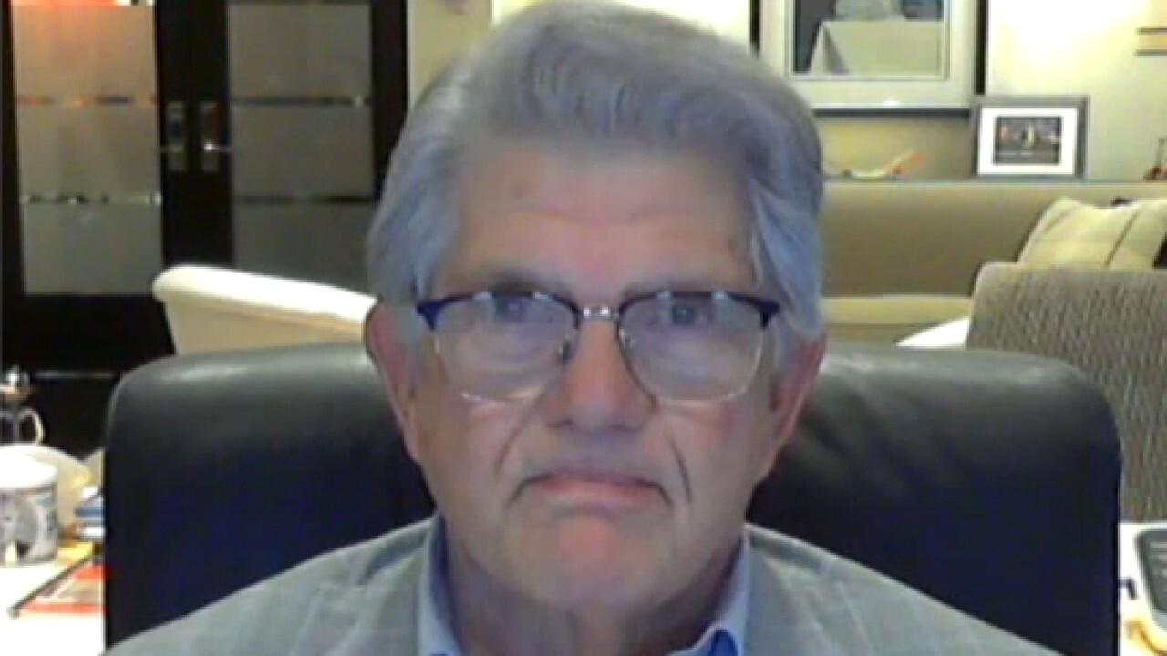Cuban refugee Maximo Alvarez warns US headed toward communism
