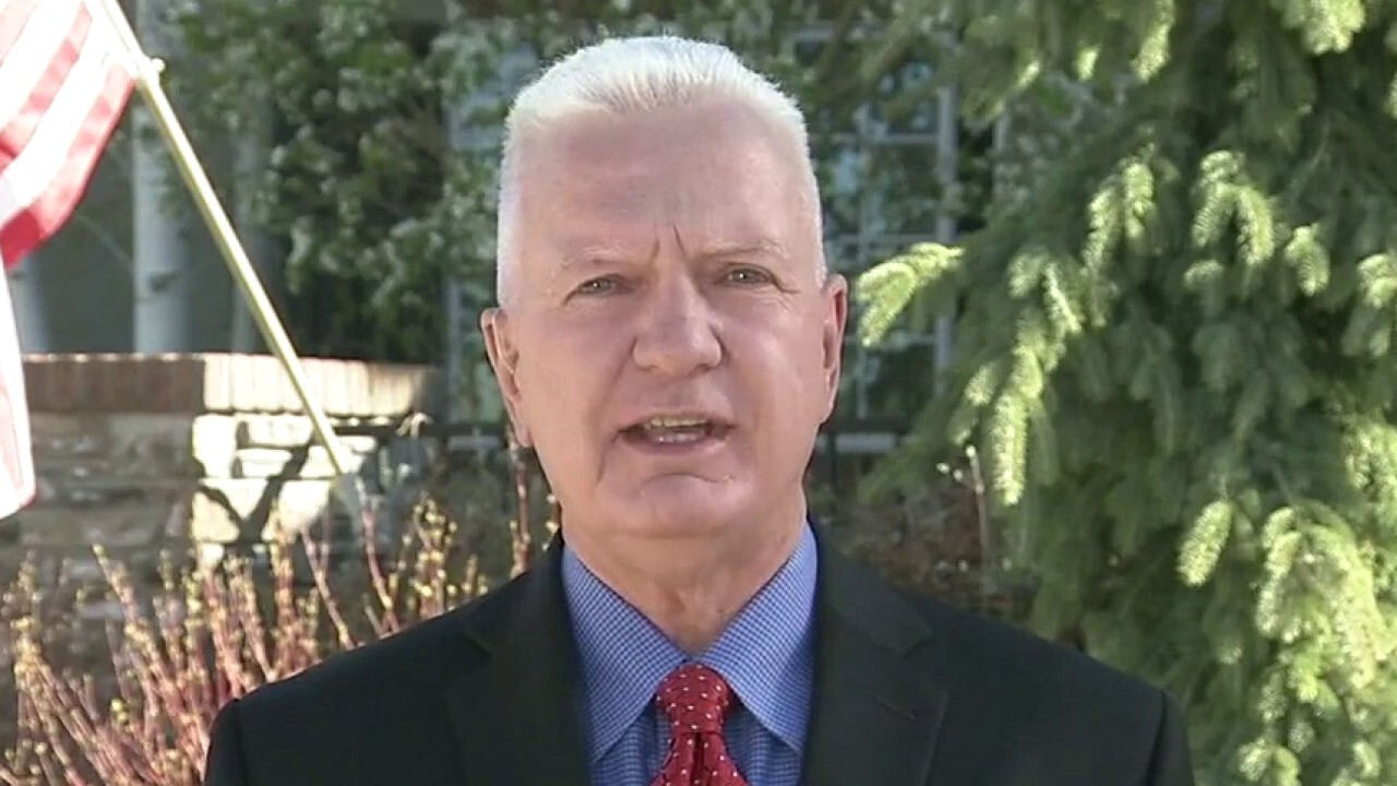 Biden COVID policies send 'very confusing' message: Dr. Giroir