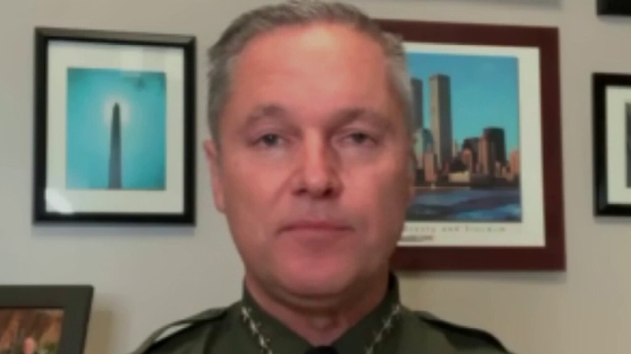 Orange County sheriff refuses to release 1,800 inmates after judge's order: 'Serious threat' to community