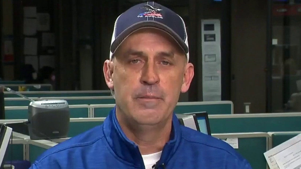 Keystone Pipeline worker breaks down after laying off team