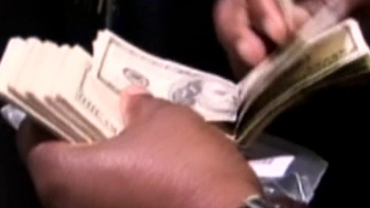 More Americans stockpiling cash amid coronavirus pandemic