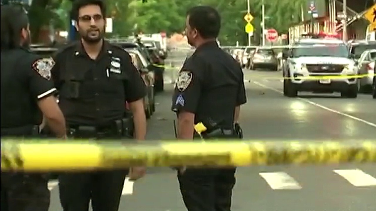 NYC mayor, NYPD commissioner roll out plan to combat rising gun violence