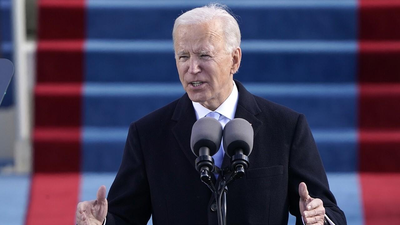 Biden's putting American workers last, buitelanders eers met omgekeerde beleid: Sy. Tom Cotton