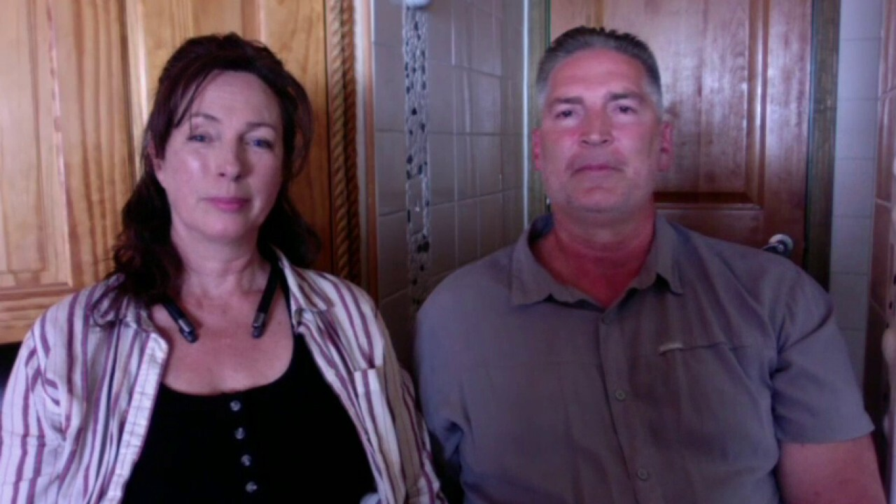 Couple claims FBI raided home, with guns drawn, in search of Pelosi's laptop