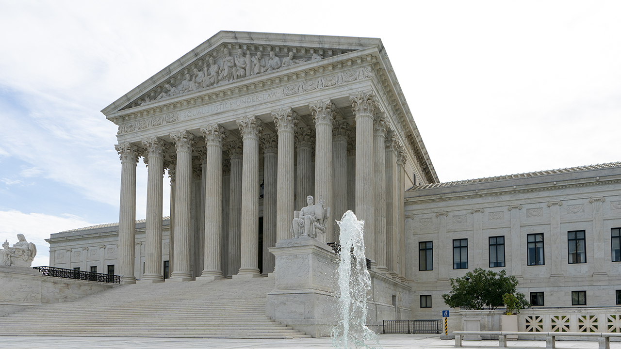 Supreme Court rules LGBTQ employees can sue for workplace discrimination