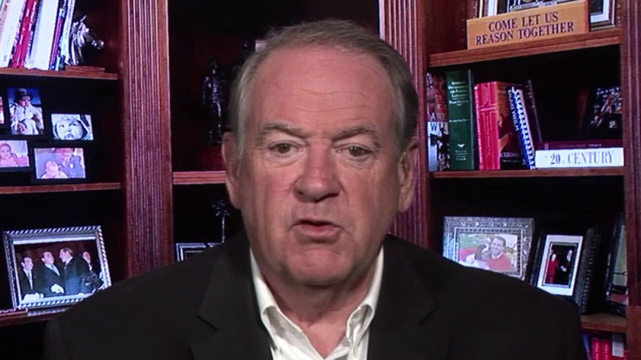 Mike Huckabee reacts to Trump ordering governors to reopen houses of worships