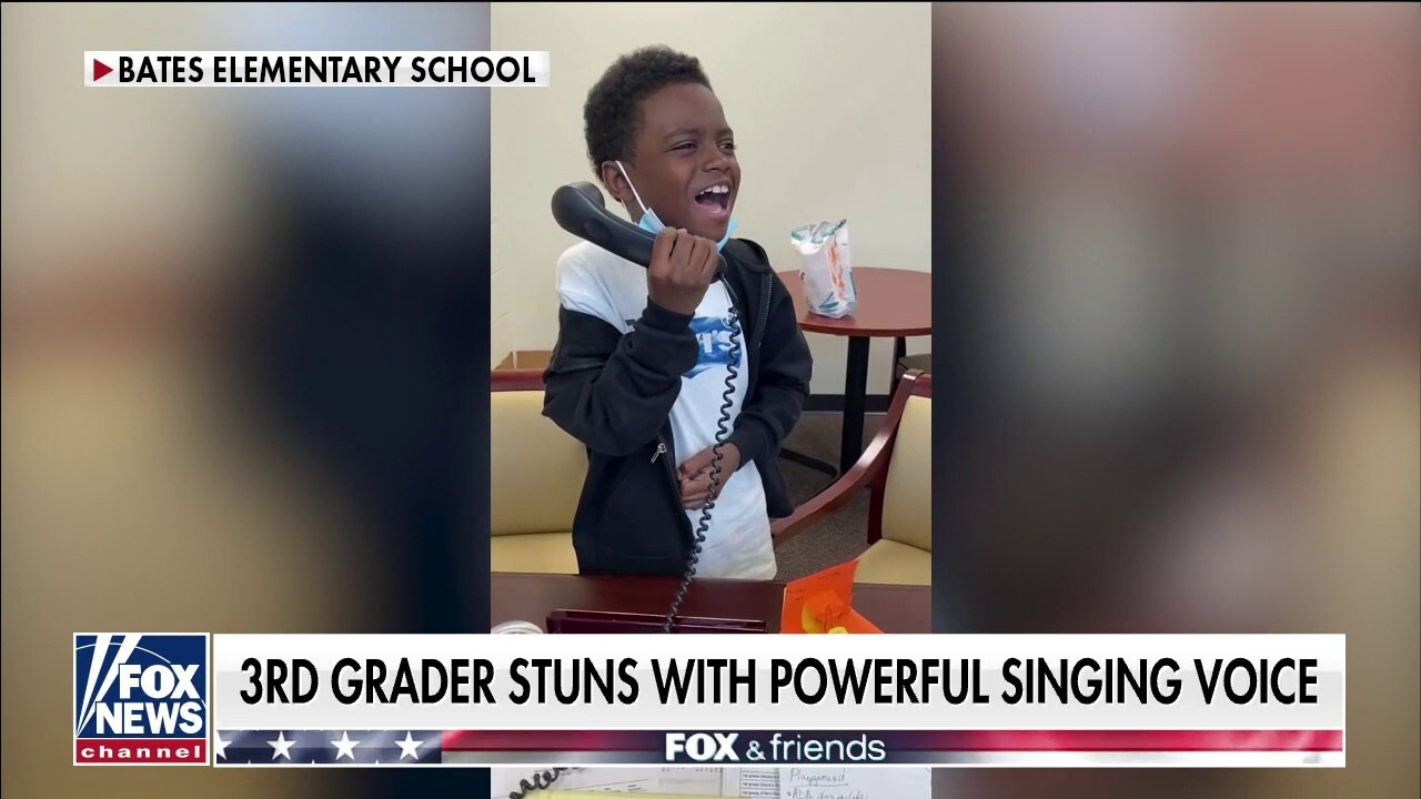 Third grader stuns with incredible National Anthem rendition