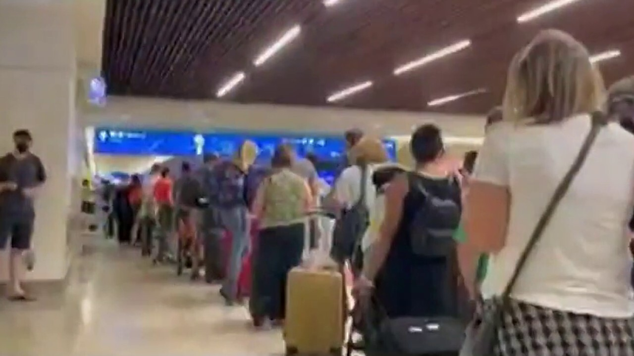 'The Five' on airport turmoil amid claims of weather, vaccine mandate issues