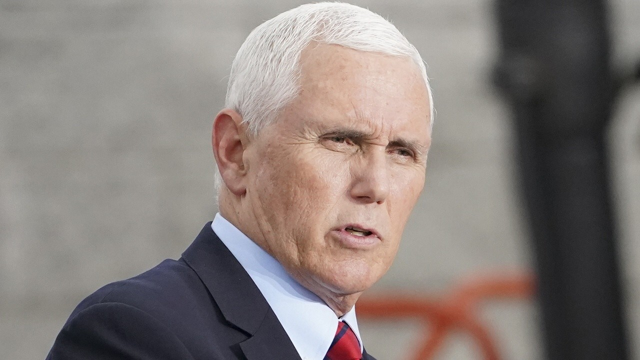 Pence campaigns in Pennsylvania, says it's 'Trump country now'