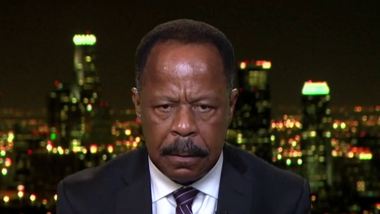Leo Terrell: Dems trying to undermine Trump, making this a personality war'