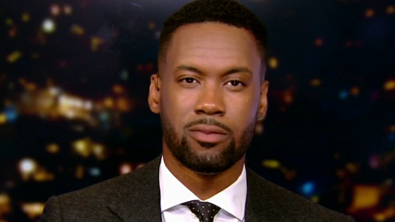 Lawrence Jones talks to New Yorkers about the left's demand to 'defund the police'