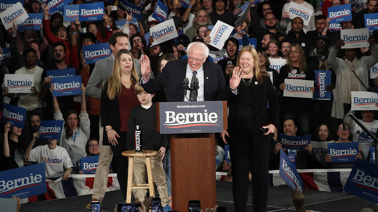 Sanders holds lead as Klobuchar surges ahead of New Hampshire primary