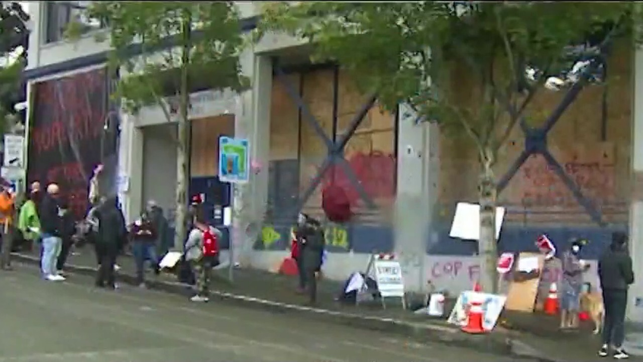 Protesters maintain grip on Seattle 'no cop zone'
