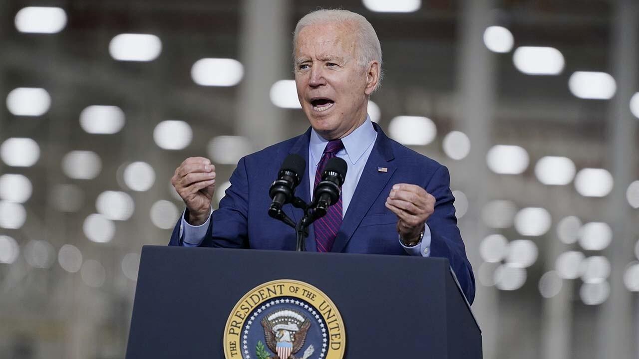 Kudlow pushes back after Biden's labor secretary declares economic plan 'working'