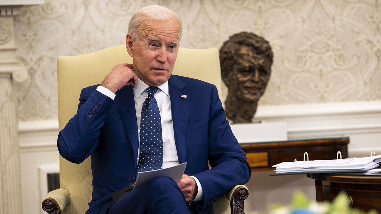 MSNBC: White House photo of Biden briefing 'conveys an isolation of this president'