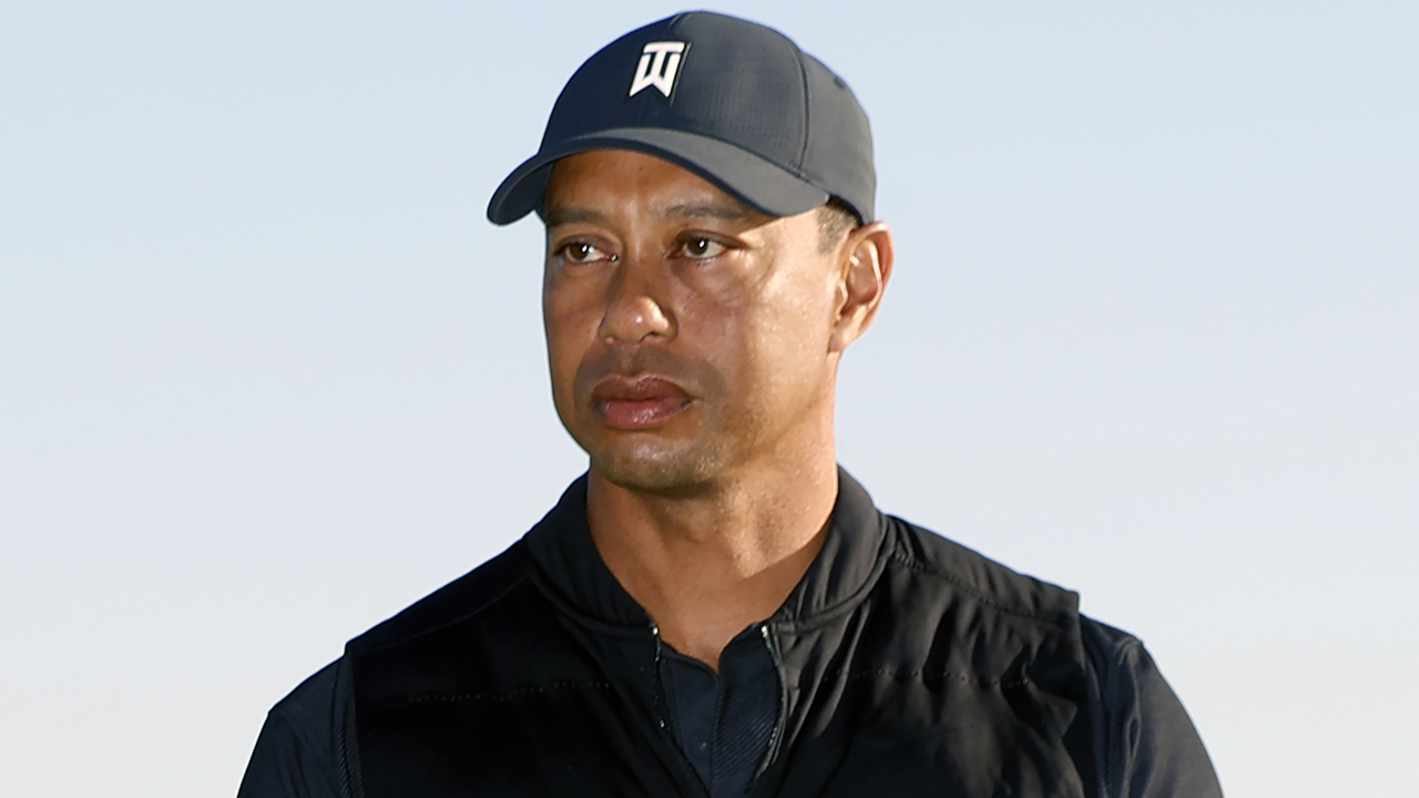 LA County Sheriff holds press conference on Tiger Woods crash investigation