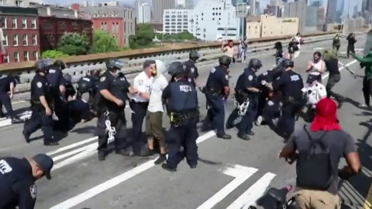Majority of voters reject reducing police funding, despite national push: poll thumbnail