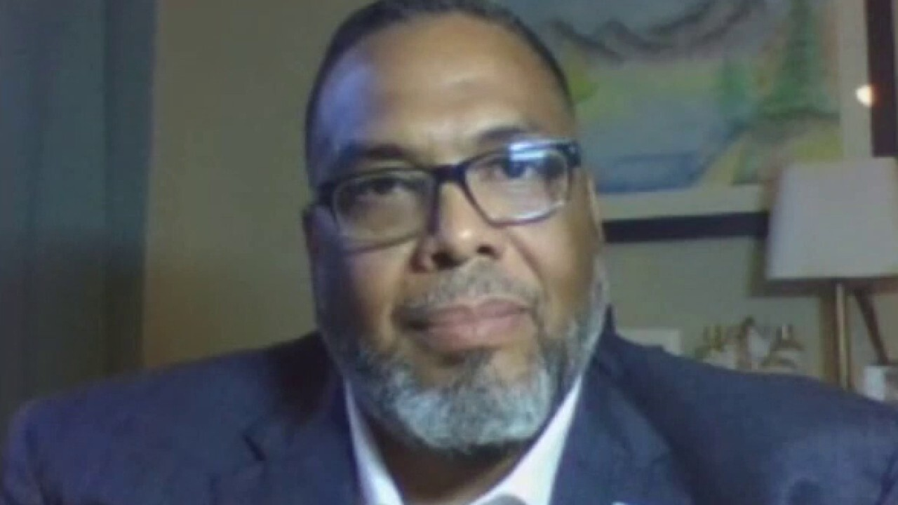 Chicago alderman on combating suicide among police officers