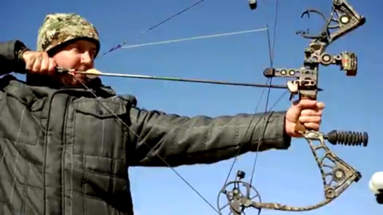 Join Nascar's Kurt Busch for a Texas bow hunt