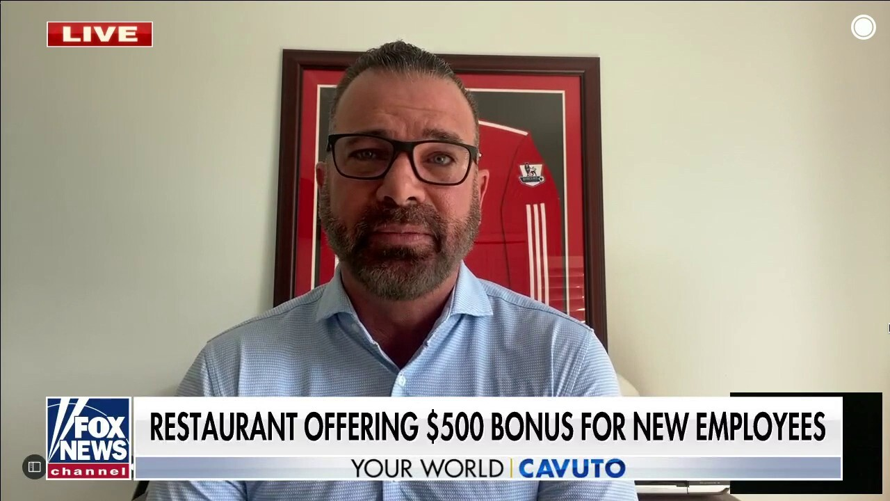 Struggling to find new workers, restaurant offers $500 sign-on bonus