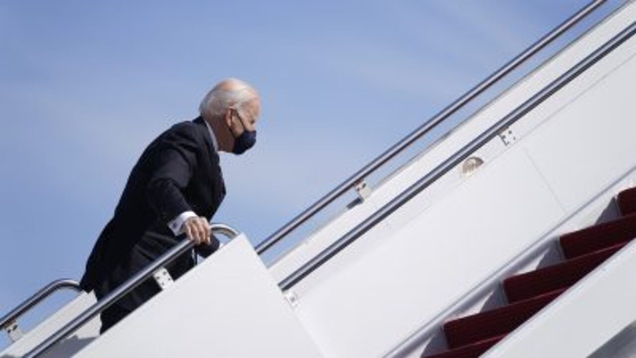 Hannity: Biden goes on Delaware vacation amid intensifying crises