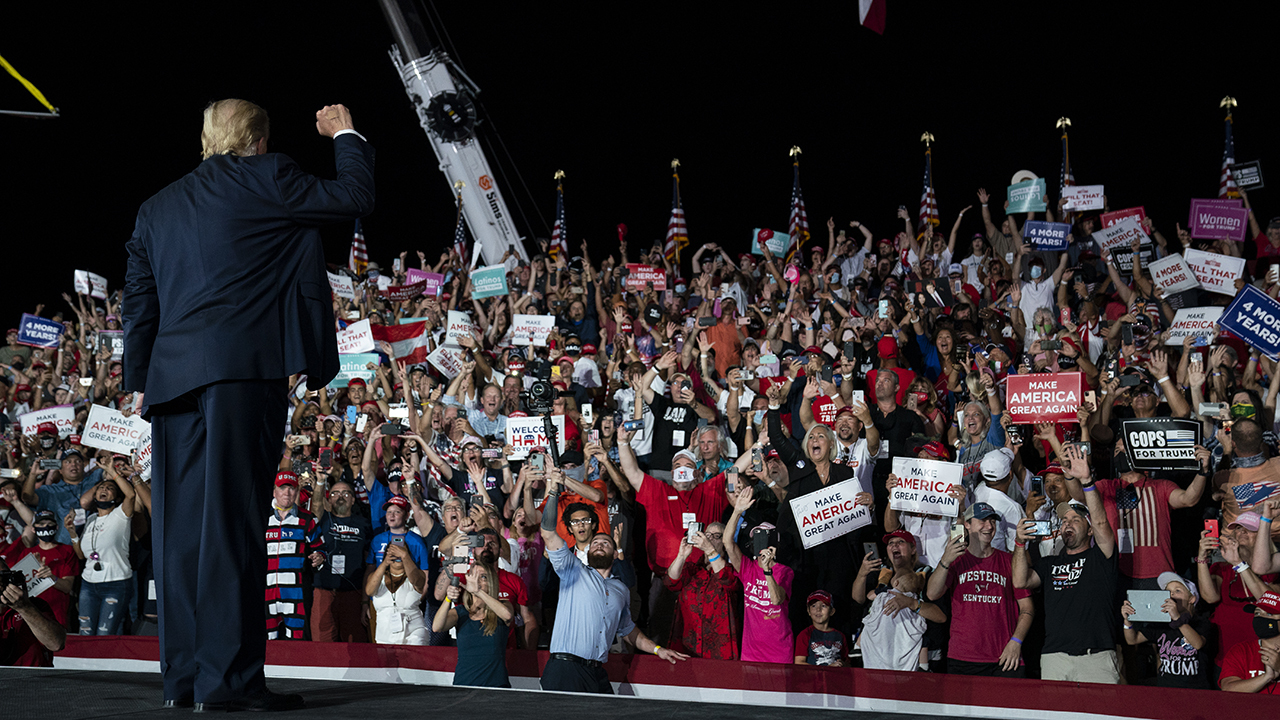 Trump kicks off return to campaign trail with massive rally in Florida