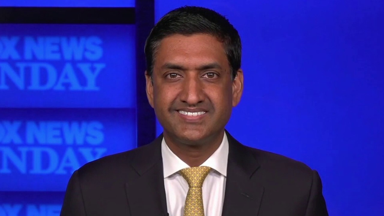 Rep. Khanna: 'I think we can compromise' with Manchin on spending package