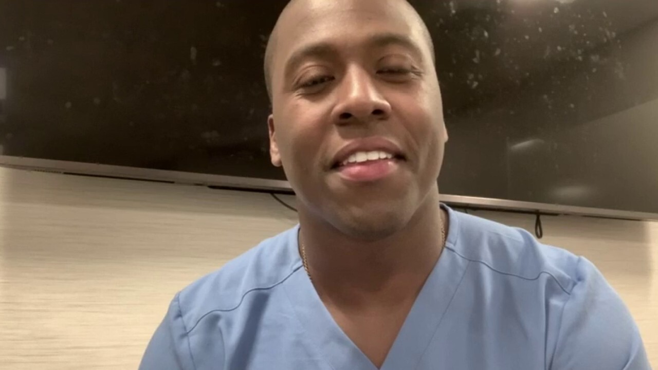 Singing surgeon stuns with musical covers