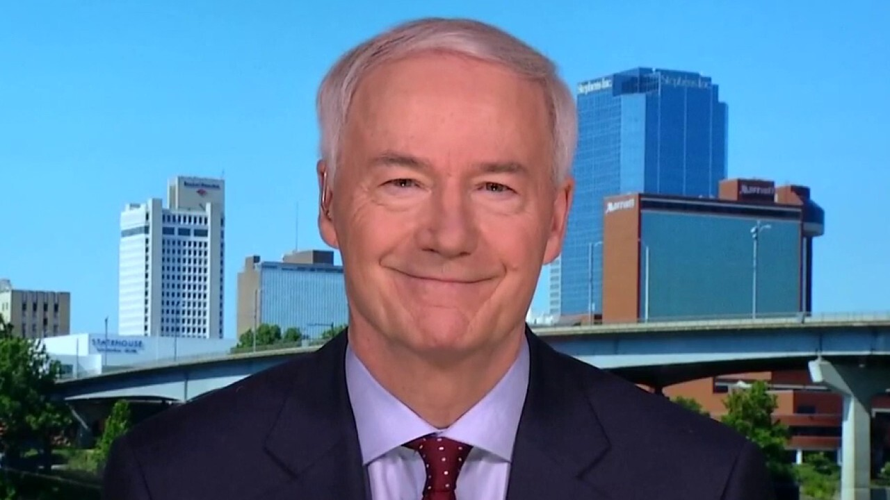 Westlake Legal Group image Arkansas Gov. Hutchinson optimistic about economic recovery despite recent high in new COVID cases Ronn Blitzer fox-news/us/us-regions/midwest/arkansas fox-news/media fox-news/health/infectious-disease/coronavirus fox news fnc/politics fnc b9a91b0c-0fbd-58ff-9f75-f1c3aa30ca70 article