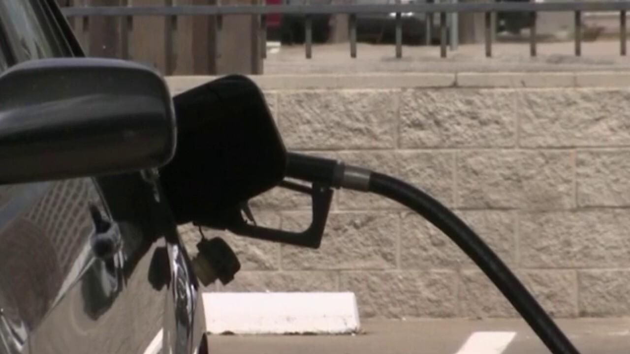 US gas prices drop below $2 per gallon
