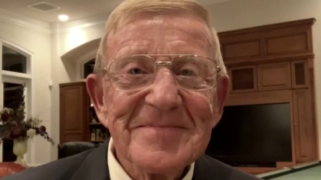 Lou Holtz on push to restart college football, responds to critics of his RNC speech