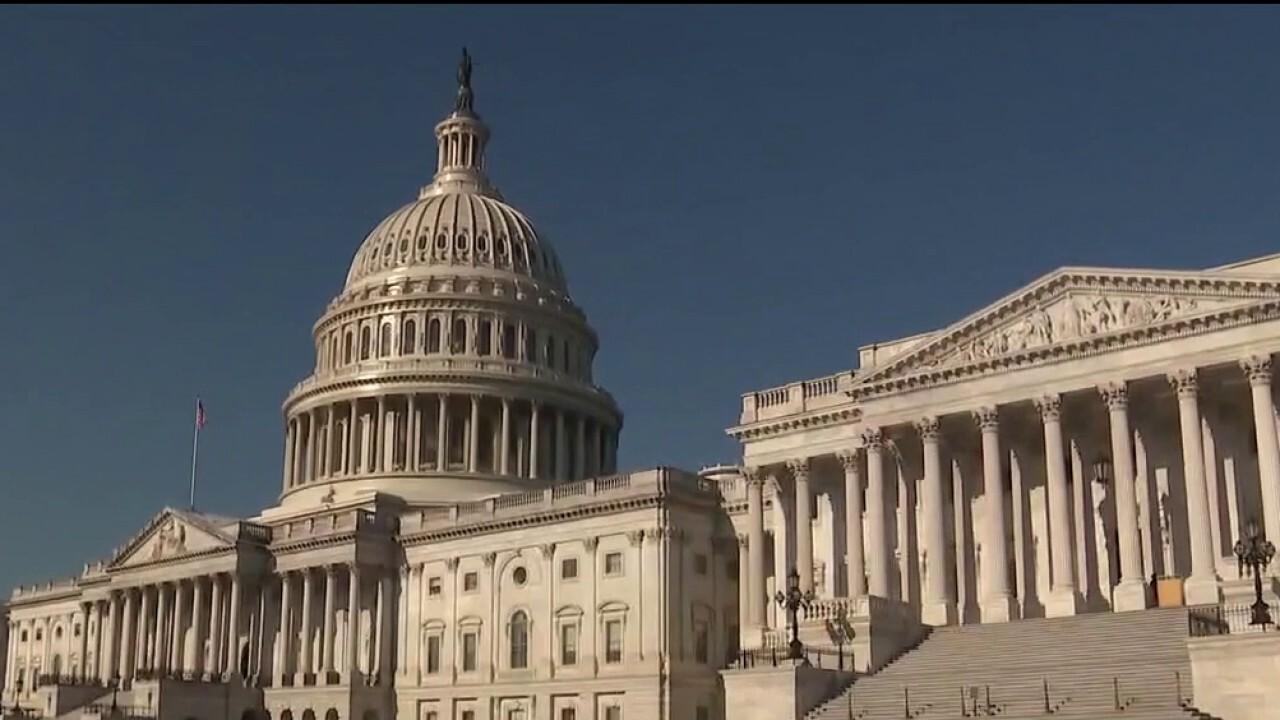 Congress battles to avoid government shutdown