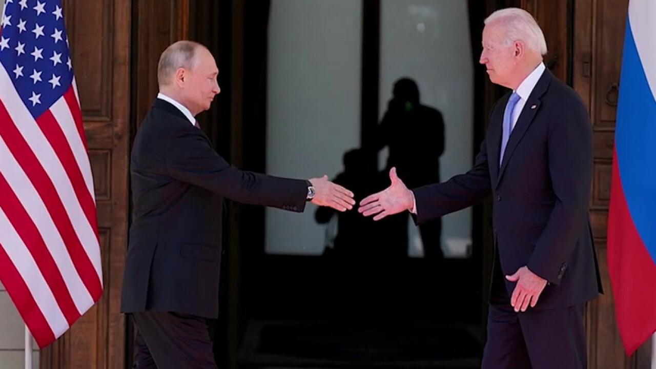 Biden pressured to respond to Russian cyberattacks