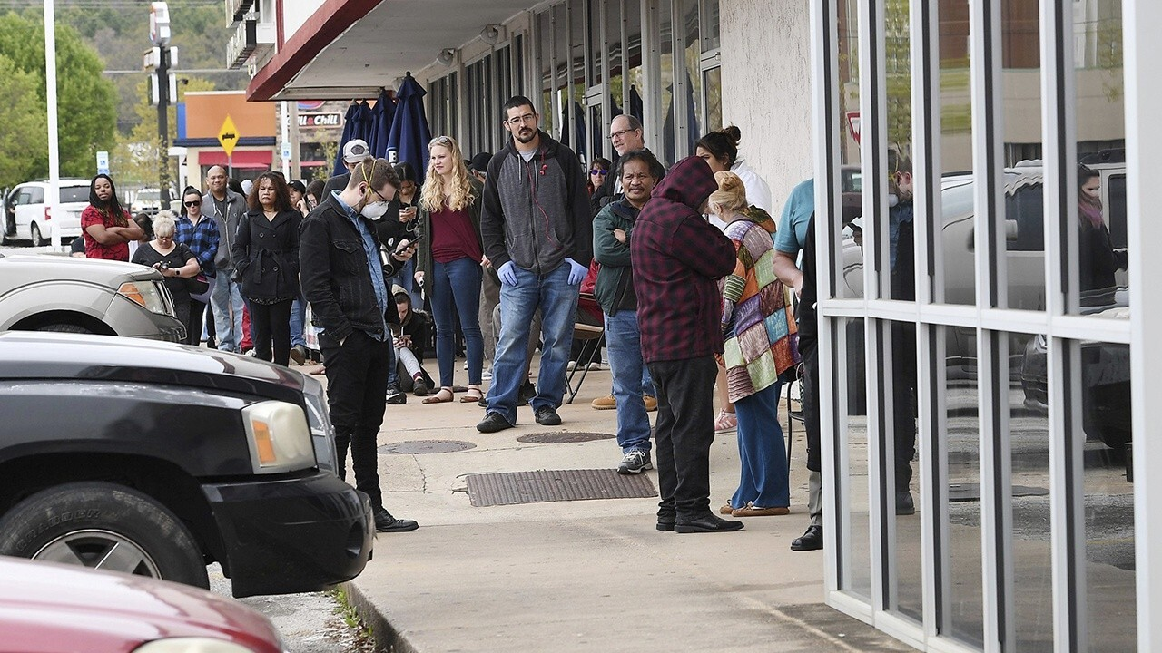 Weekly jobless numbers surge to 6.6M during COVID-19 pandemic