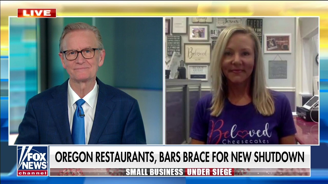 Oregon small business owner accuses gov of violating constitutional rights as Costco stays open