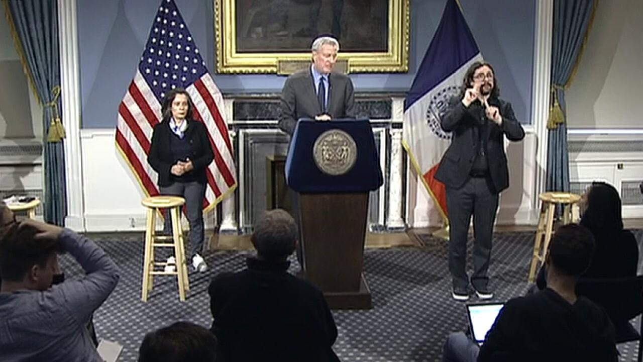 NYC teachers planning 'mass sickout' over de Blasio's refusal to close schools