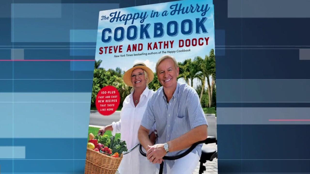 Steve Doocy parla della celebrazione del Ringraziamento durante una pandemia