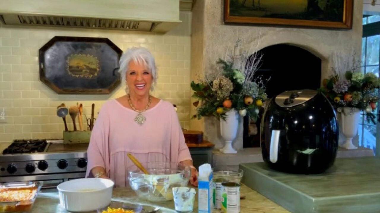 Celebrating Thanksgiving with Paula Deen!
