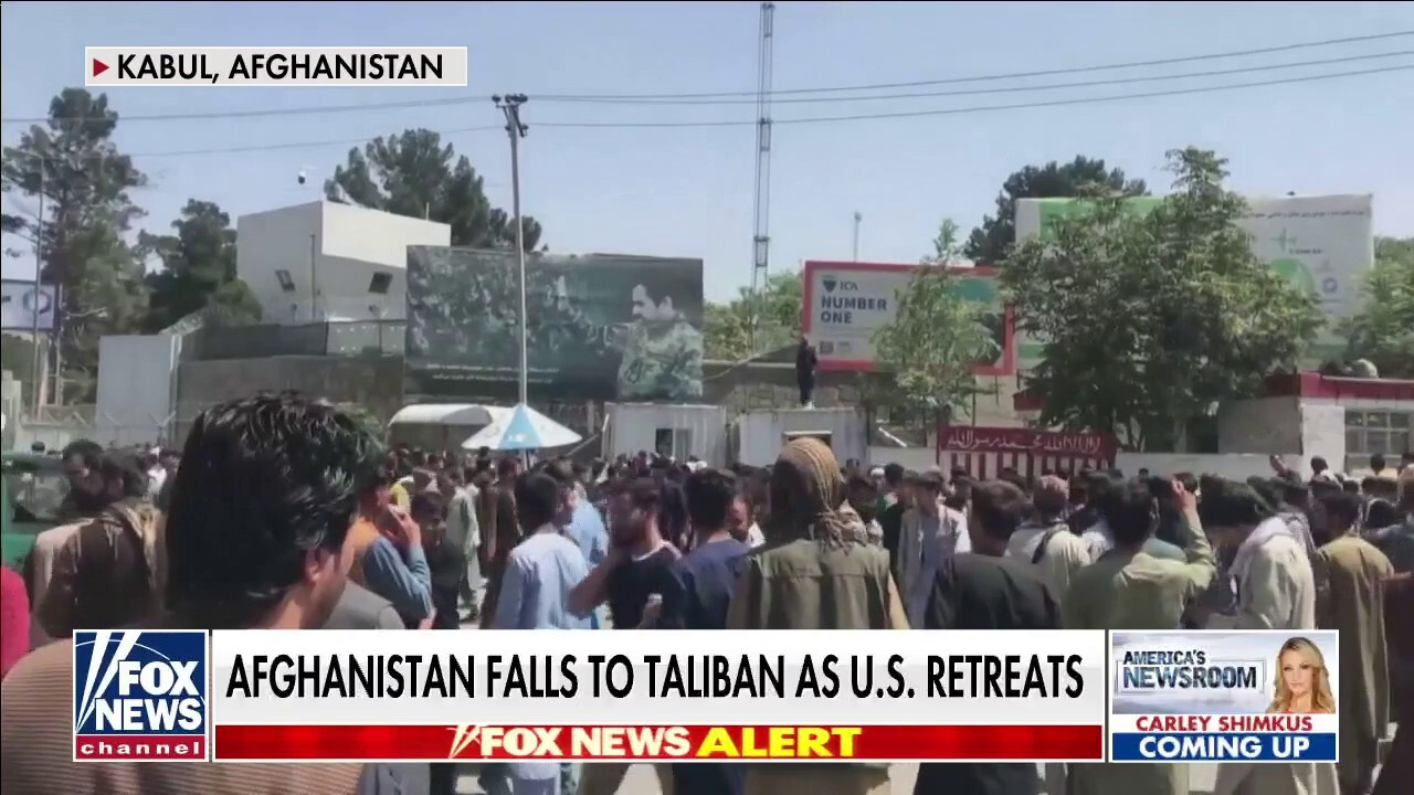Chaos in Kabul as Taliban takes control of Afghanistan
