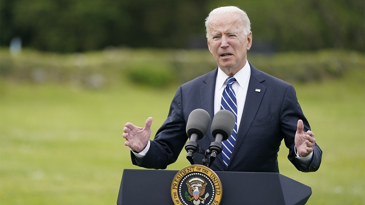 Liz Cheney slams Biden for remaining silent on Afghanistan 'catastrophe'