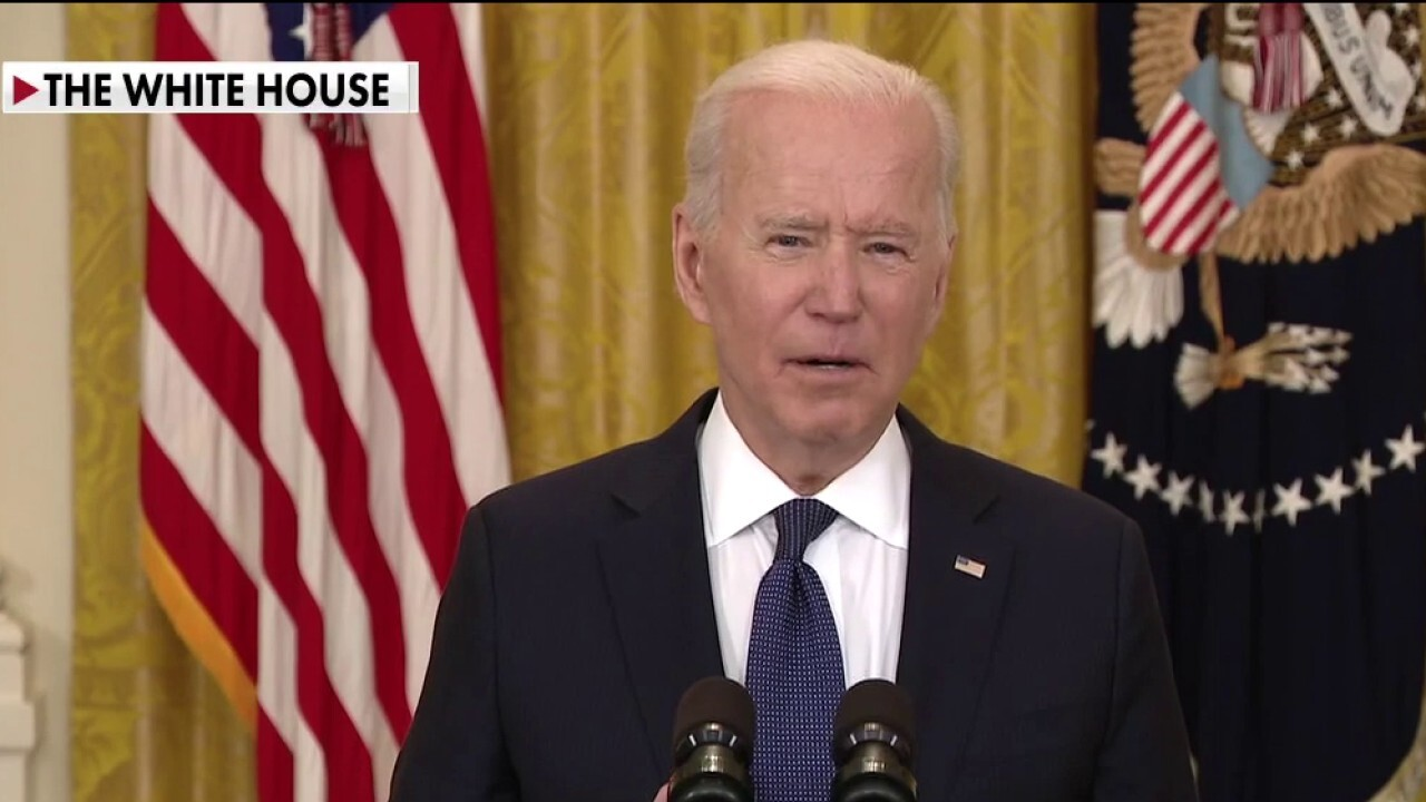 'The Five' slam Biden for claiming jobless benefits not hurting businesses