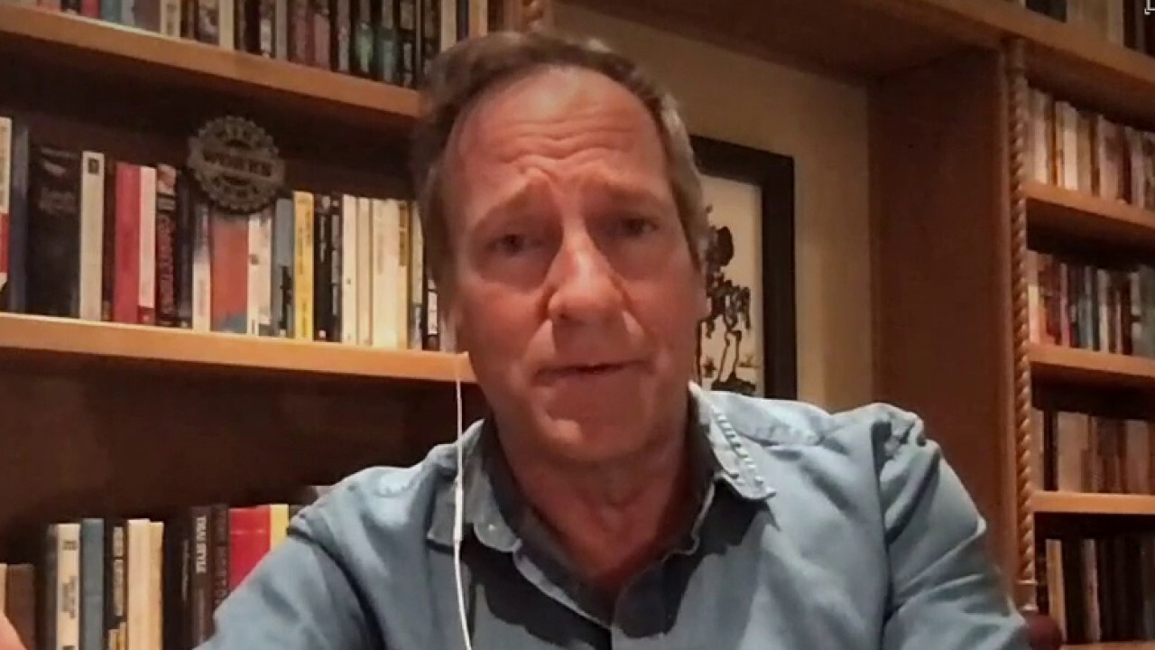 Mike Rowe's message for Americans on the frontlines fighting COVID-19