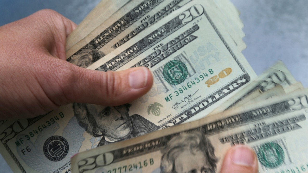 New Jersey pizza parlor owners take out $50K loan to pay workers