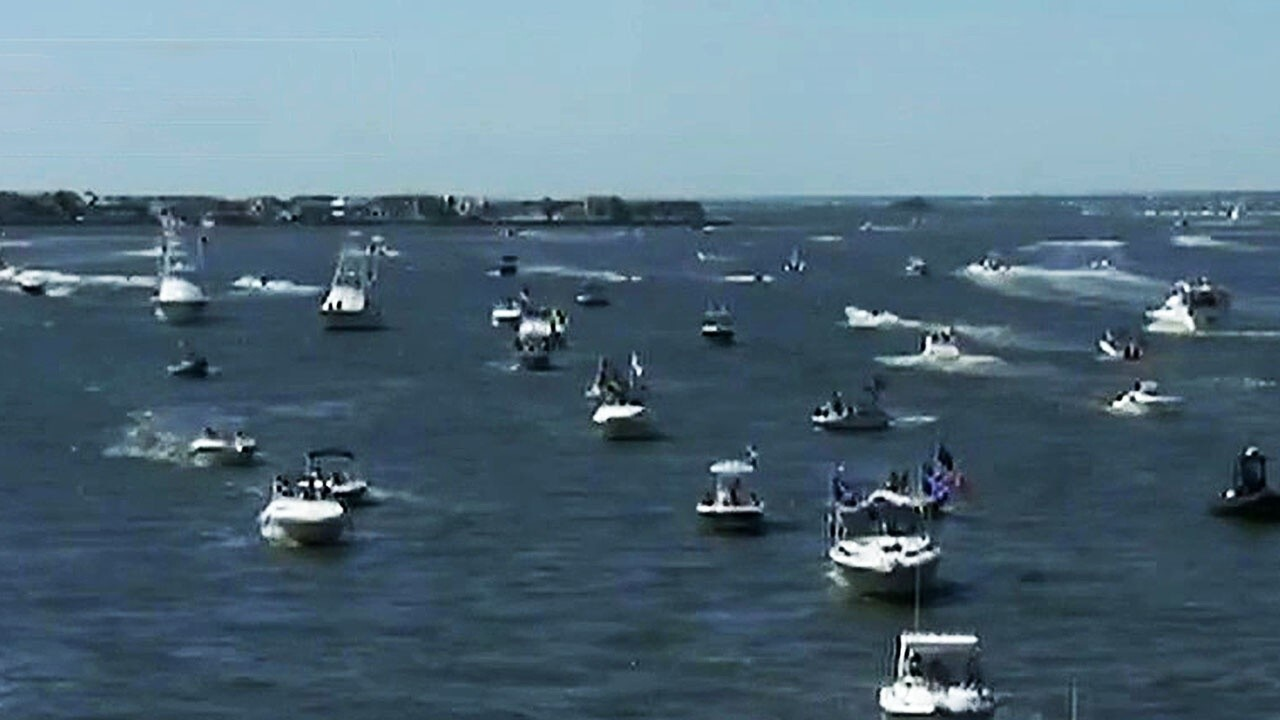 Thousands attend pro-police and veteran boat parade