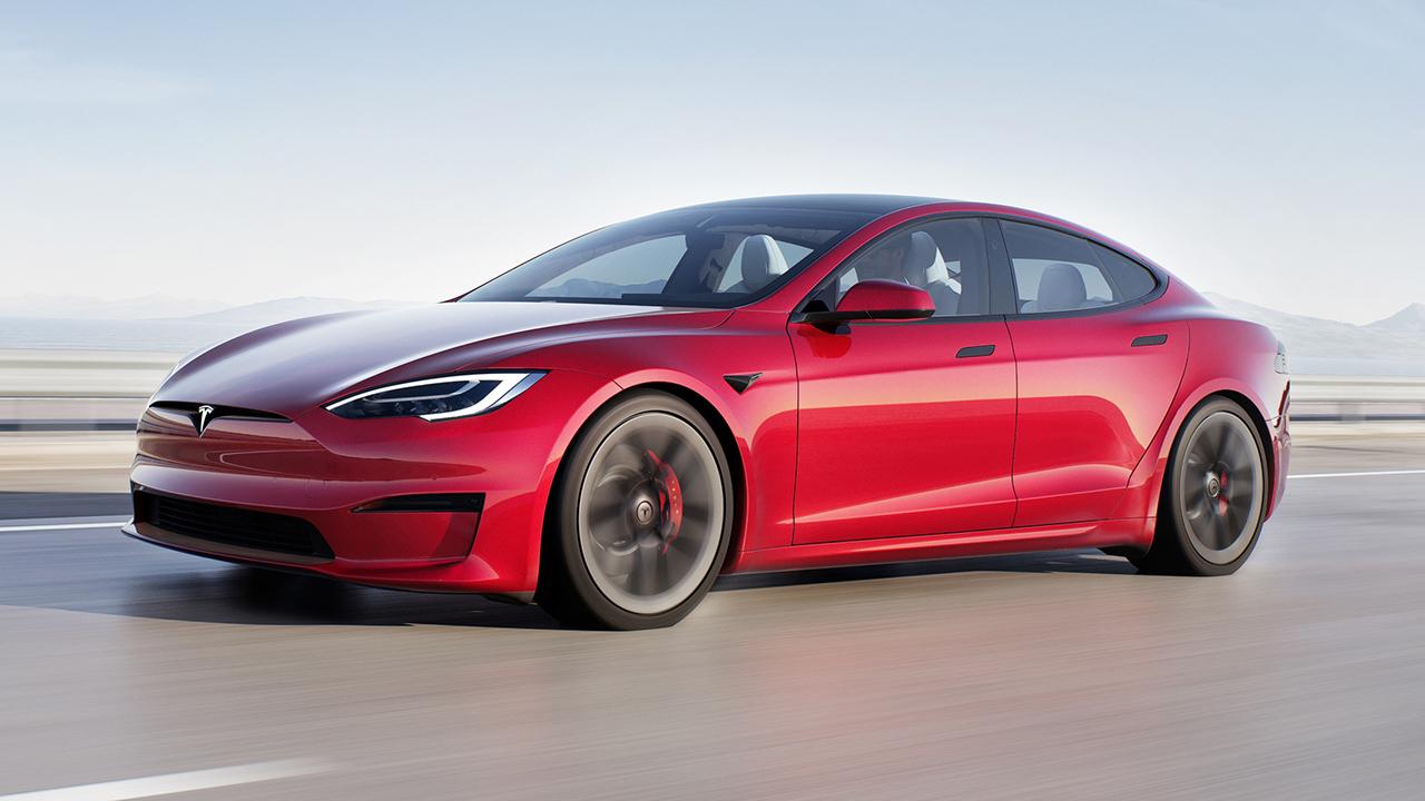 Tesla Model S Plaid debuts