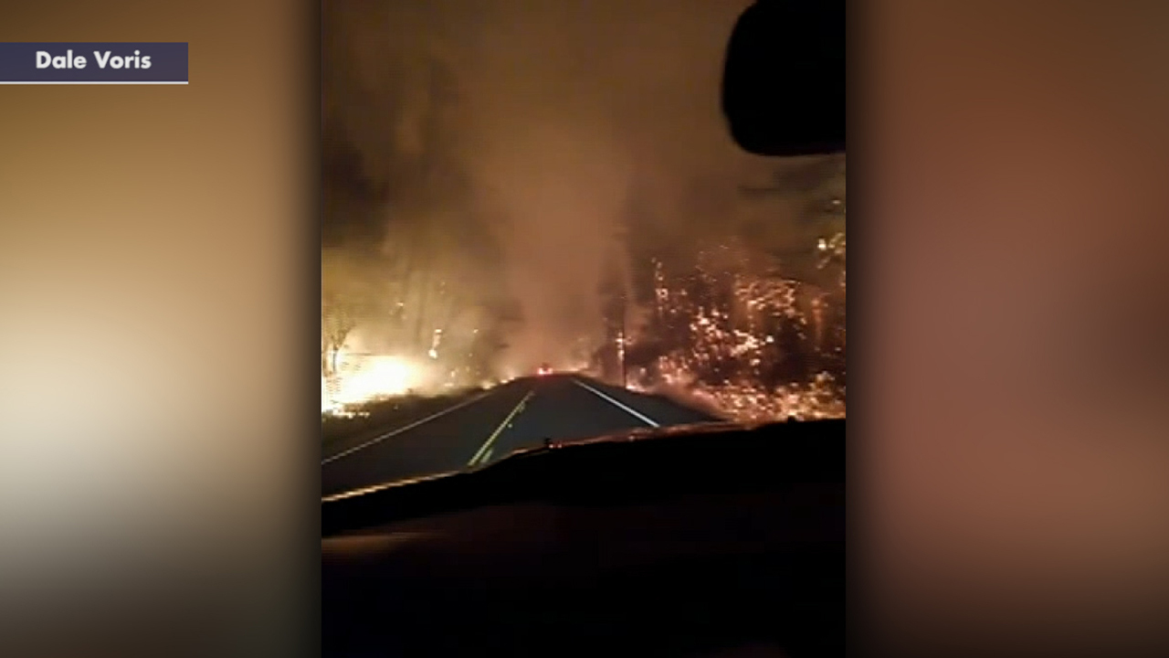 Man in Oregon fleeing wildfires films frightening evacuation