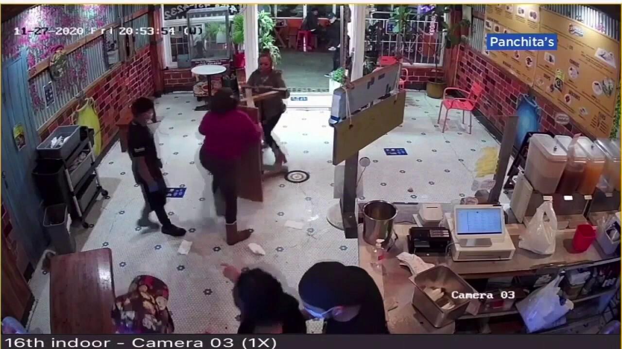 顾客袭击后,祖母和餐馆老板反击
