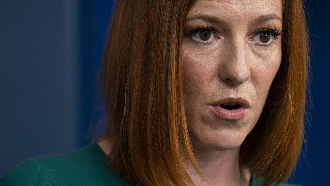 Report: Annie Leibovitz taking Psaki pictures for possible Vogue profile